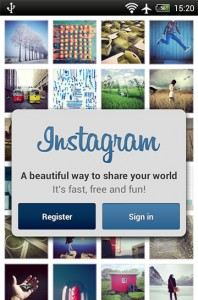 با ورود به برنامه اینستاگرام (Instagram) برای ثبت نام بر روی Register کلیک کنید.